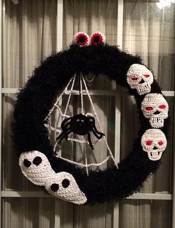 GhostnSkullWreath