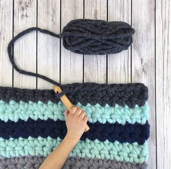 learn-crochet-hook