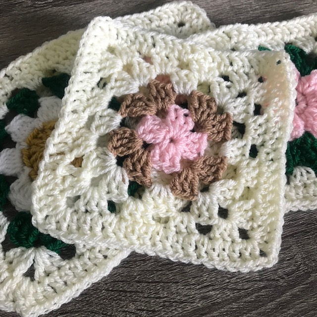 crochet a classic granny square tutorial by Erica Jackofsky